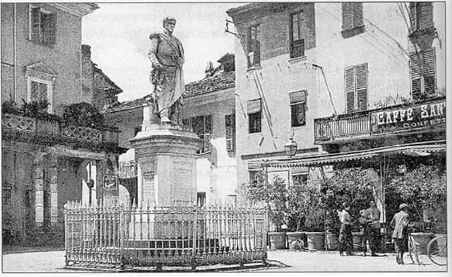 Statua di Santorre di Santarosa