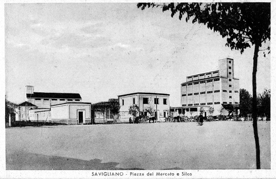Piazza del mercato e silios