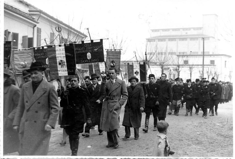 manifestazione fascista